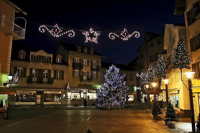 Ab Wann Weihnachtsbeleuchtung.Neue Beleuchtung Für Visp 1815 Ch