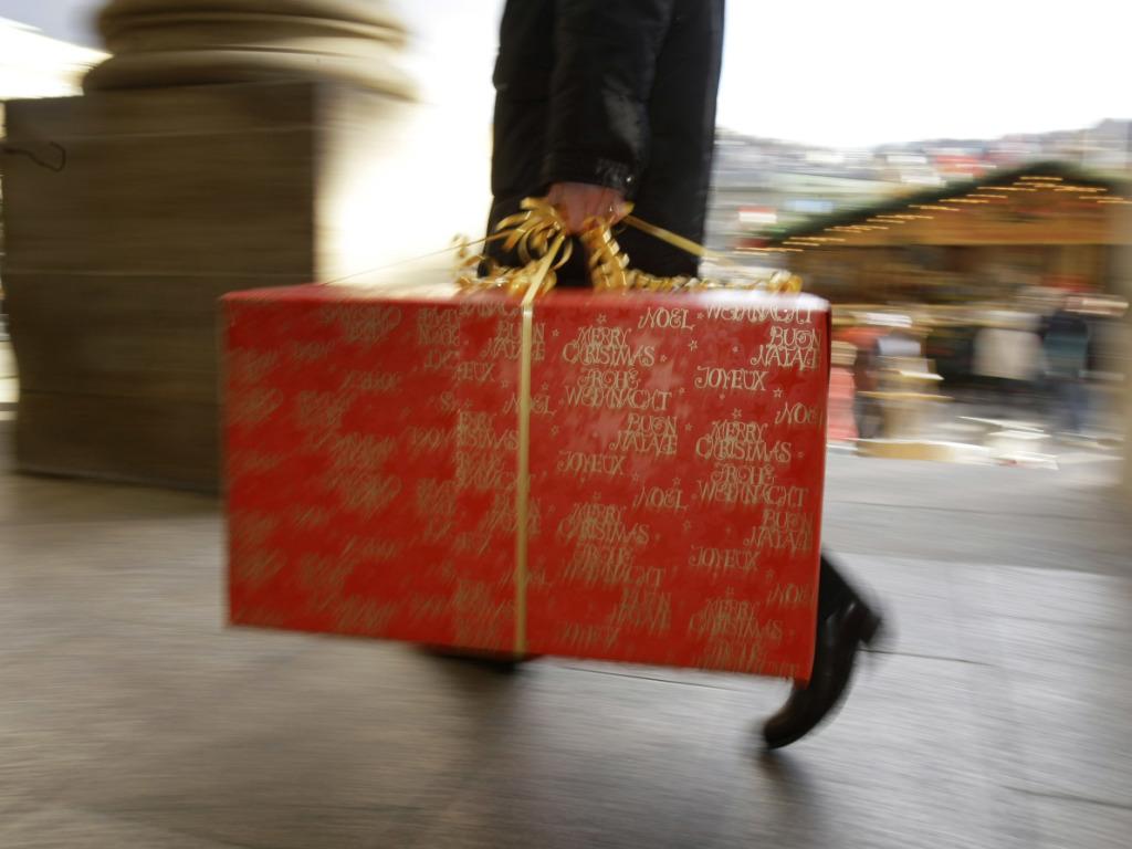 jugendliche klauen weihnachtsgeschenke aus briefk sten. Black Bedroom Furniture Sets. Home Design Ideas