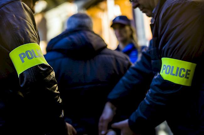 -Zweites-im-Wallis-verhaftetes-Ndrangheta-Mitglied-an-Italien-ausgeliefert-