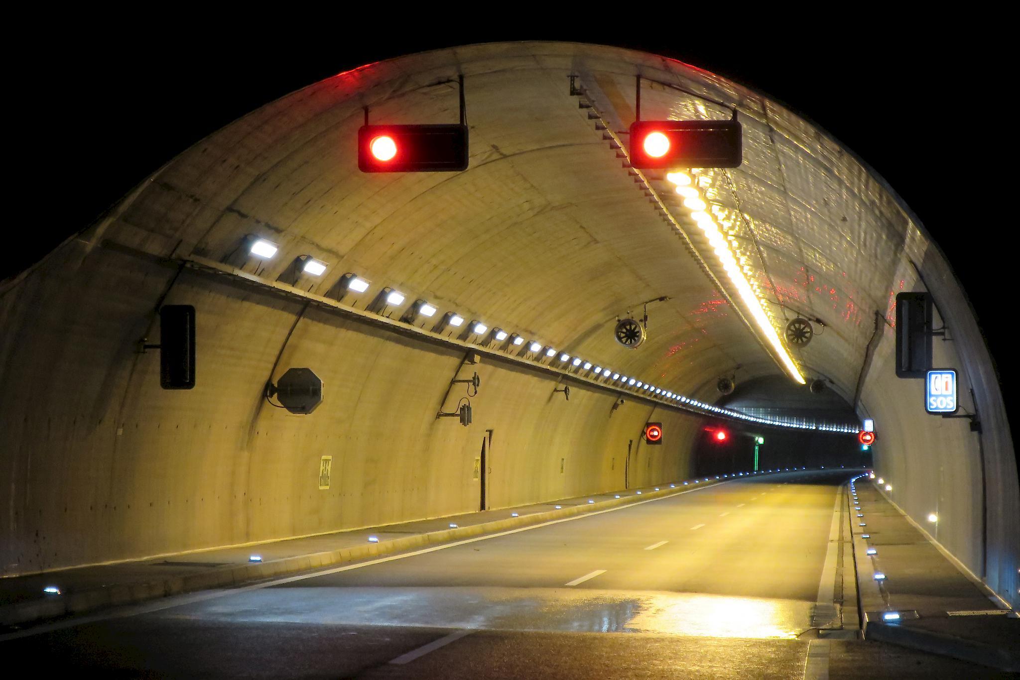 -Autobahntunnel-in-Siders-wieder-befahrbar-