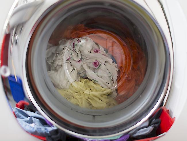 empa forschende untersuchen mikroplastik aus der waschmaschine. Black Bedroom Furniture Sets. Home Design Ideas